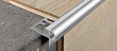 Prostyle in alluminio anodizzato argento e oro profilo for Profili per gradini in acciaio