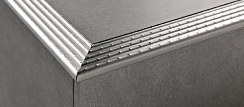 Prostair acc in acciaio inox aisi 304 satinato for Profili per gradini in acciaio