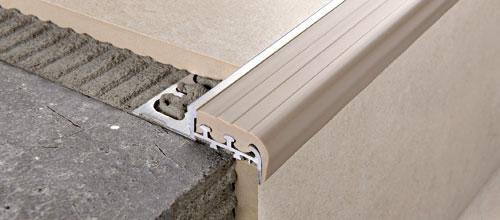 Aluminium natur einsatz aus vinylharz gummi progress for Profili per gradini in acciaio