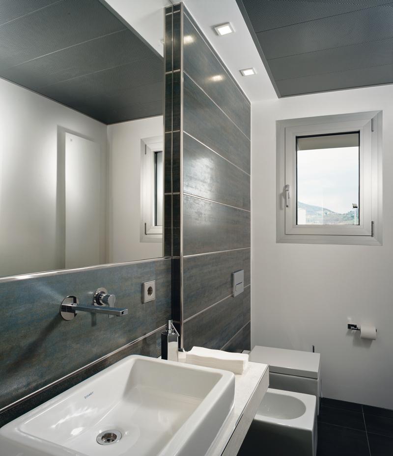 Projolly square in ottone cromato profilo per - Stuccare piastrelle bagno ...